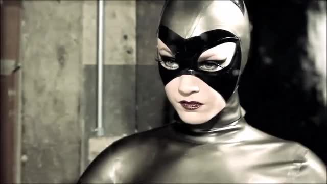 Watch and share Selina Kyle GIFs and Catwoman GIFs by tinomenogre on Gfycat
