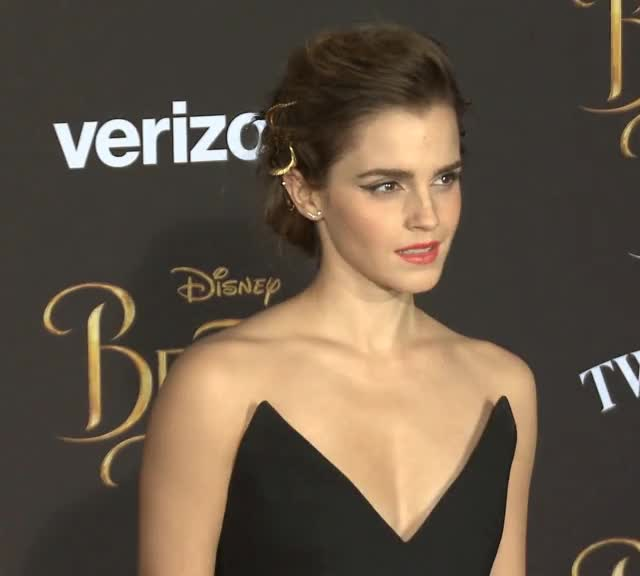 Watch and share Emma Watson GIFs and Red Carpet GIFs by shapesus on Gfycat