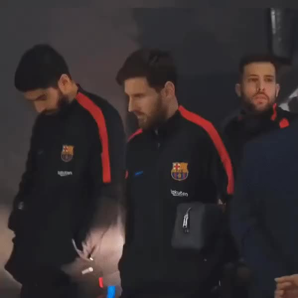 Watch Alba GIF by Телевизор 3.0 (@carlitto) on Gfycat. Discover more football, messi, suarez GIFs on Gfycat