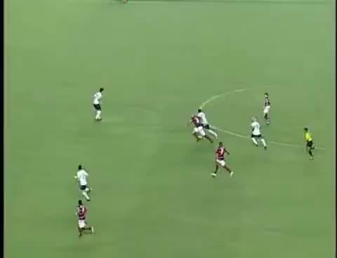 Watch and share Gol De Cobertura De Adriano Imperador - Flamengo 3 X 0 Coritiba 20/09/09 GIFs on Gfycat