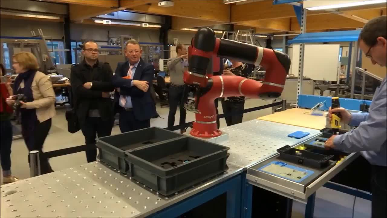 All Tags, arm, automatizaci, cobot, intra, motion, open, rob, robot, sensitivo, tica, COBOT  SAWYER - ELECTRONICS ASSEMBLY HELPER GIFs