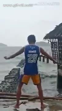 The legendary Waterbender GIFs