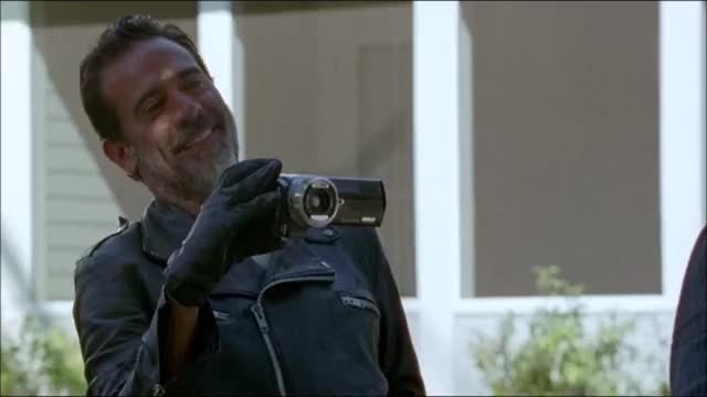 Watch this no GIF by xitenik on Gfycat. Discover more thewalkingdeadseason7ep4, twd, twds7ep4 GIFs on Gfycat