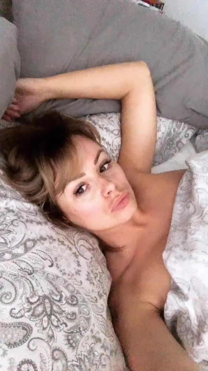 Rhian sleeps in the nude