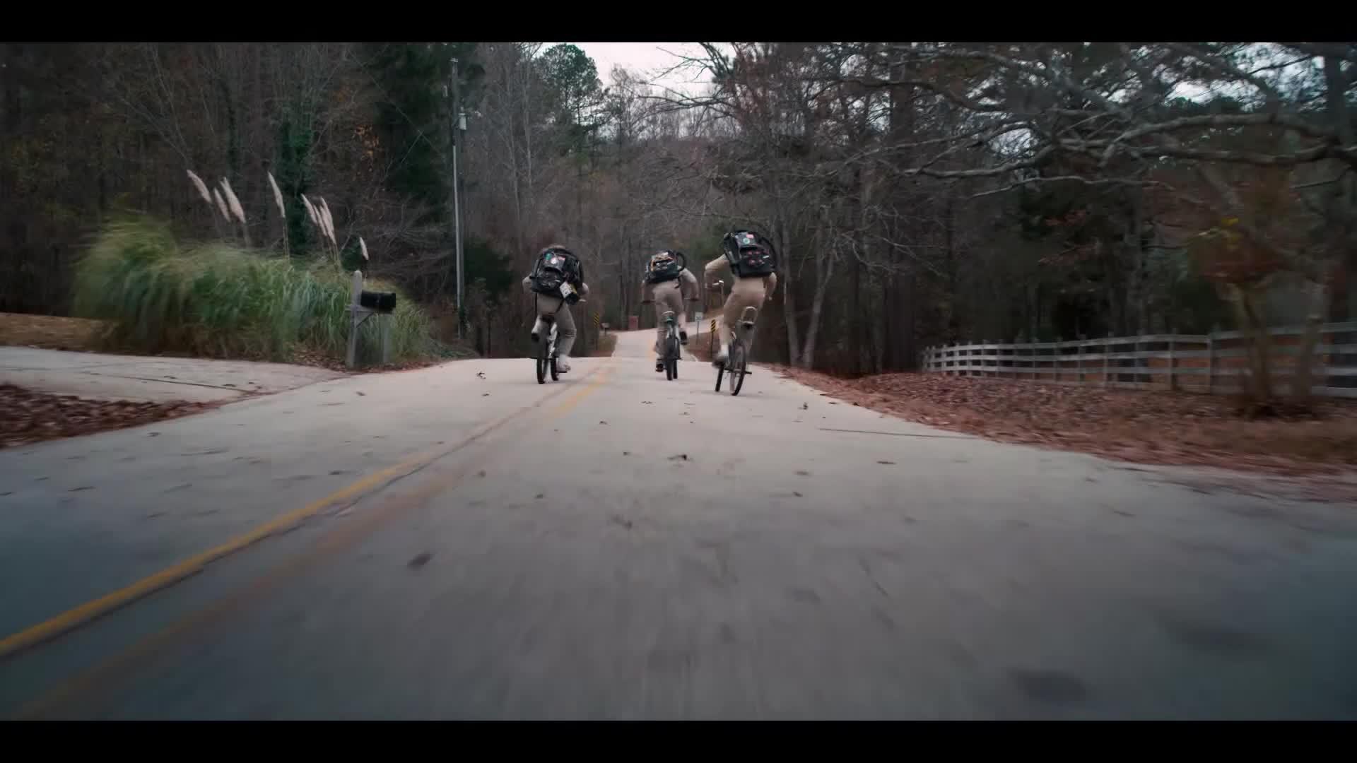 2, season, stranger, things, Stranger Things Season 2 Trailer: Bicycling GIFs