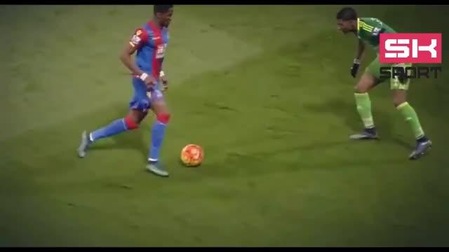 Watch Dribble fútbol GIF on Gfycat. Discover more Dribble, futbol GIFs on Gfycat