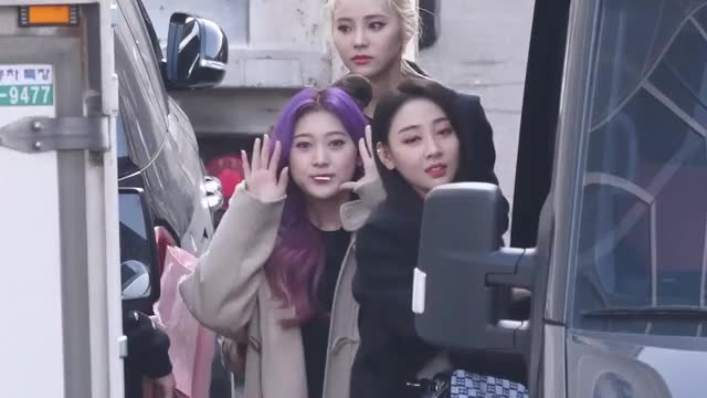 Watch and share Choerry GIFs and Loona GIFs by Nin0r on Gfycat