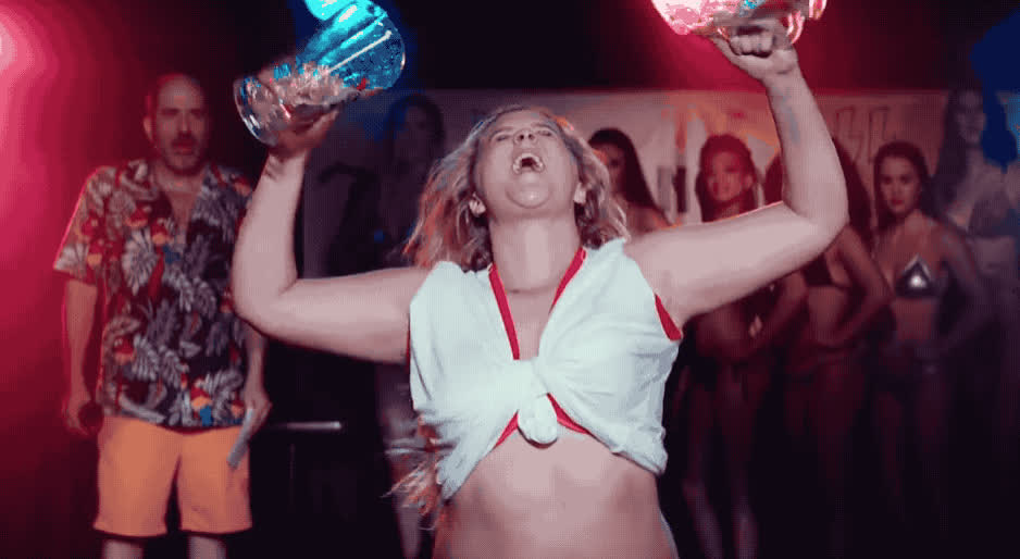 I feel pretty, amy, beer, caliente, celebrate, dance, excited, feel, funny, hilarious, hot, i, lol, movie, new, party, pretty, schumer, sexy, I feel pretty trailer GIFs
