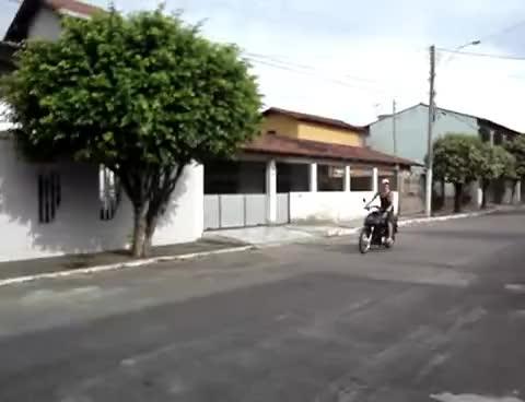 Watch Klarice Piloto de fuga GIF on Gfycat. Discover more Klarice, Piloto, fuga GIFs on Gfycat