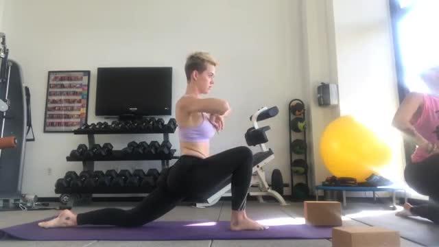katyperry, katy yoga 4 GIFs