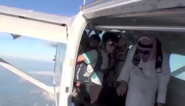 Arab, Bomb, Skydiving, Arabian Skydiving Bomb GIFs