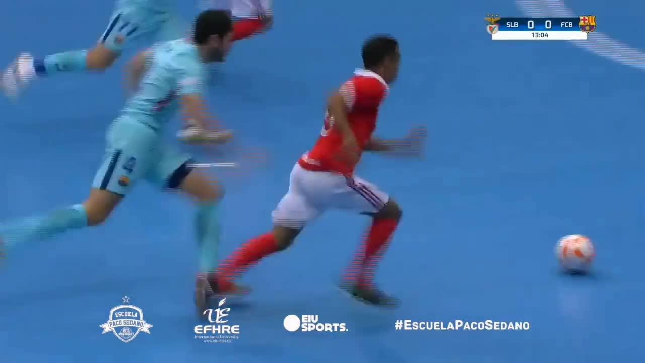 futsal, goalkeeper, sedano, Paradas Paco Sedano vs. Benfica Masters Cup 2017 GIFs