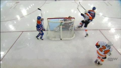edmontonoilers, hockey, Scott Laughton (2) Wrist shot - ASST: Matt Read (2), Mark Streit (5) GIFs