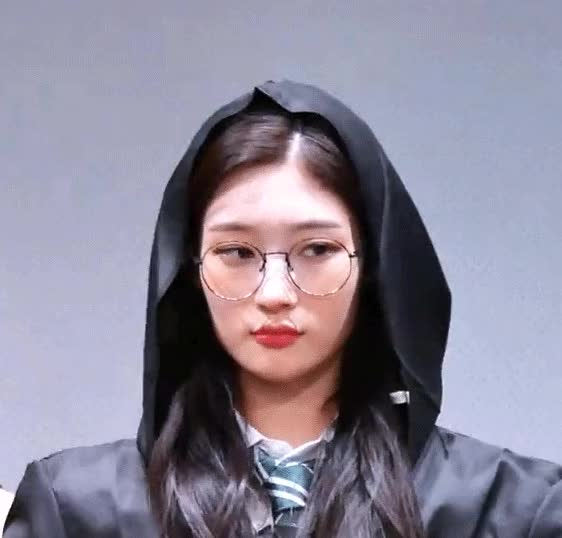 Watch and share Chaeyeon GIFs and Magic GIFs by Factman's GIFs on Gfycat