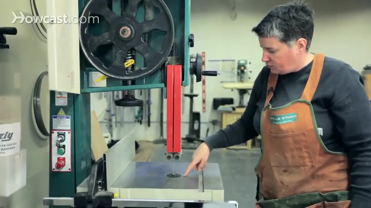Band, Carpenter, carpentry, howcast, woodcutting, woodworking, How to Use a Band Saw | Woodworking GIFs