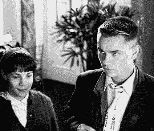 *, 90s, black and white, cine, dogfight, film, gif, gifs, la ultima apuesta, lili taylor, movies, my gifs, my stuff, nancy savoca, river phoenix, these two! :´), upload, uploads, Lili Taylor & River Phoenix in Dogfight [1991, Nancy Savoca] GIFs