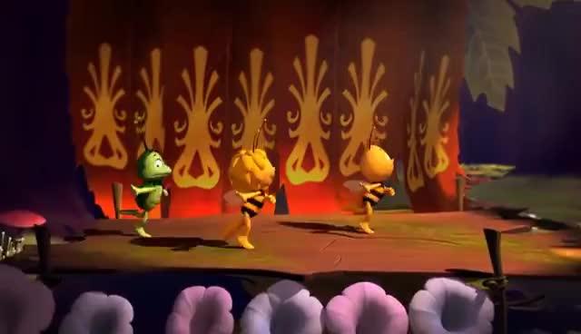 Maya l'abeille - La Maya danse GIFs