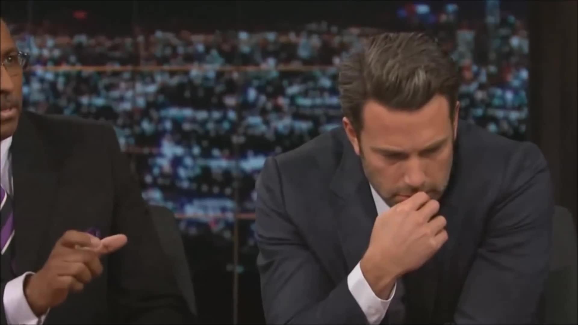 ben affleck, celebs, Ben Affleck in deep Islamic Prayer GIFs