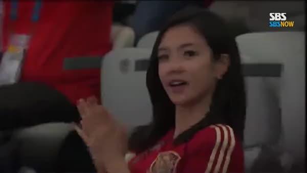 Watch and share Korean Newscaster Jang Ye Won GIFs on Gfycat