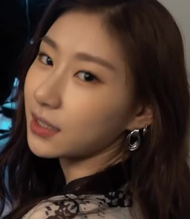 Watch and share Chaeryeong -ITZY(있지) IT'z ME JACKET MAKING FILM [Ak5PajweJIc]-19 GIFs by masterfat on Gfycat