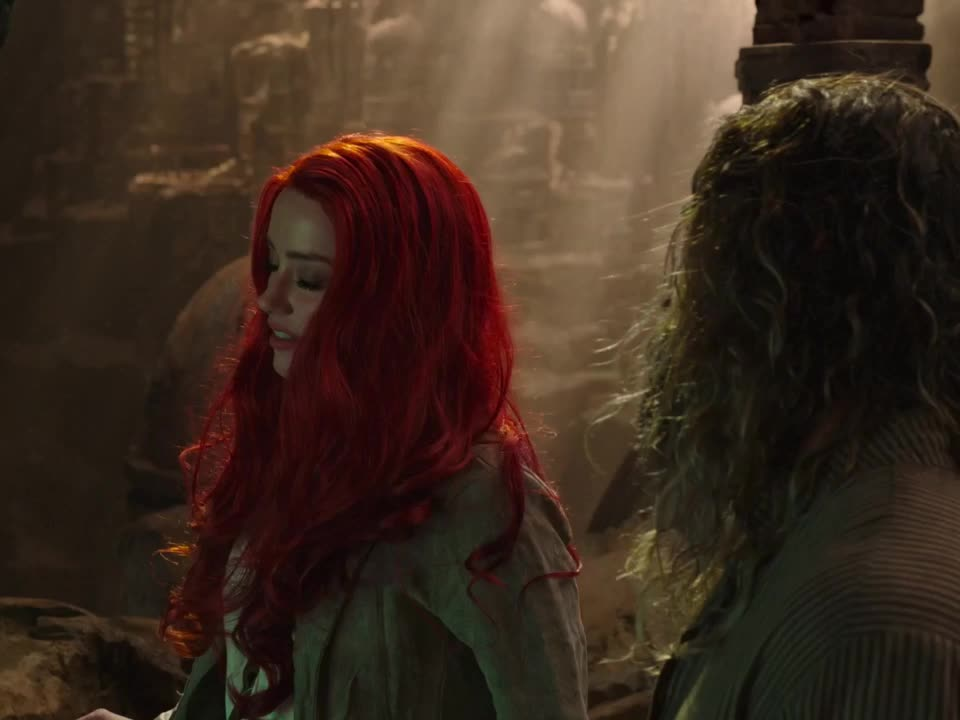 Amber Heard, Aquaman, annoyed, disgusted, look, reaction, Aquaman - Amber Heard annoyed GIFs