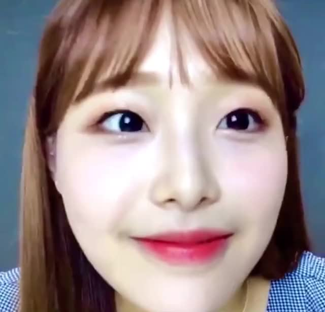 Watch and share Loona GIFs and Chuu GIFs by — on Gfycat