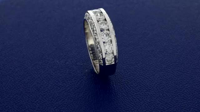 Watch and share La Moderna Ring GIFs by Sarkisian's Jewelry Company, Inc. sarkisiansjewelry.com on Gfycat