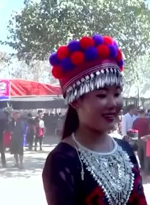 Watch and share Nkauj Hmoob Nplog GIFs and Hmong GIFs on Gfycat