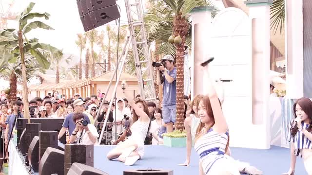 Watch 직캠 Girlsday GIF by @lil_ayson64 on Gfycat. Discover more related GIFs on Gfycat