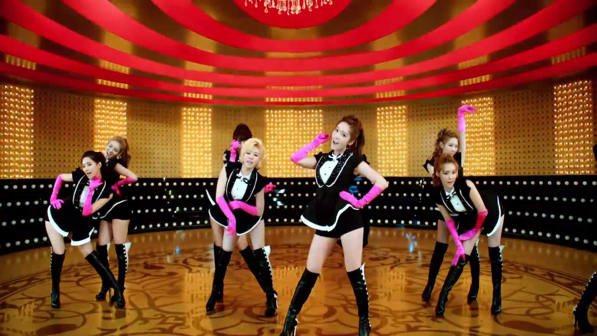 generation, girls', 소녀시대, GIRLS` GENERATION 少女時代_PAPARAZZI_Music Video Dance Edit GOLD GIFs