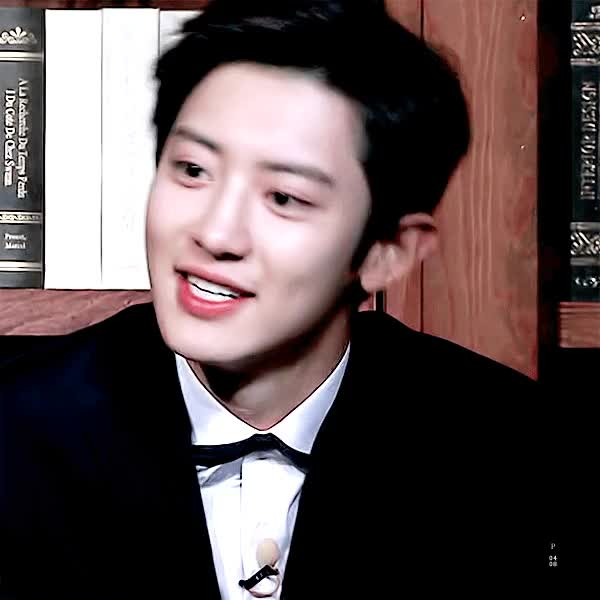 Watch this GIF on Gfycat. Discover more celebs, chanyeol, exo GIFs on Gfycat