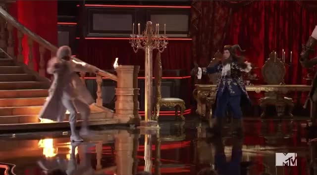 Watch this mtv awards 2017 GIF by visualecho on Gfycat. Discover more MTV Awards, MTV Awards 2017, MTVAwards, MTVAwards2017, adam devine, freak out, get out, meltdown, on fire, panic GIFs on Gfycat