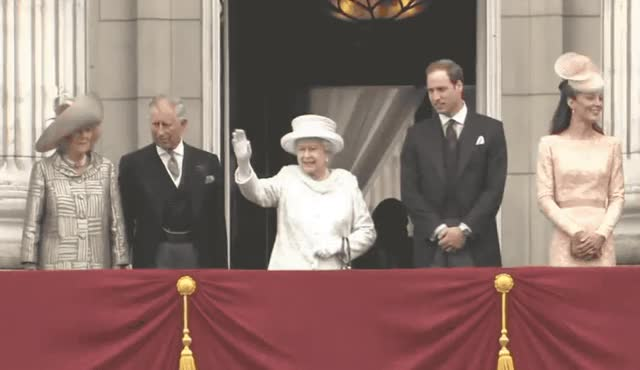 Watch this queen GIF by GIF Queen (@ioanna) on Gfycat. Discover more adios, balcony, bye, ciao, elizabeth, family, formal, goodbye, hat, hello, hey, hi, queen, royal, royalty, smile, stand, wait, wave, waving GIFs on Gfycat