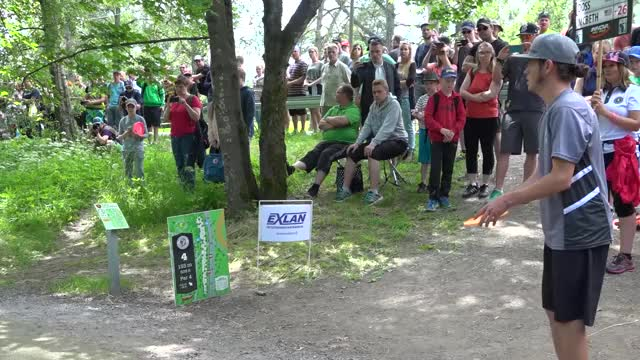 Watch 2017 European Open | Barsby long roller | Round 4, hole 6? GIF by Ultiworld Disc Golf (@ultiworlddg) on Gfycat. Discover more 2017, EO2017, European Open, Gregg Barsby, Paul McBeth, Simon Lizotte, disc golf, final round, front 9, lead card GIFs on Gfycat