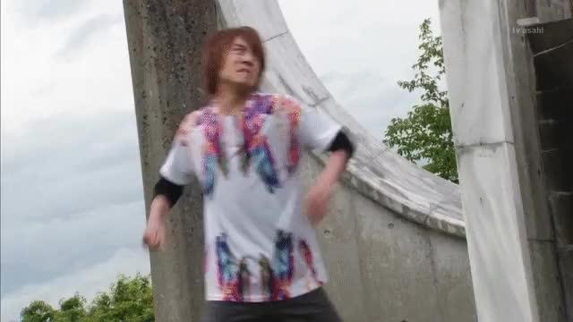Kamen Rider Build Ep 47 Ryuga Gentoku Sad Gif Gfycat