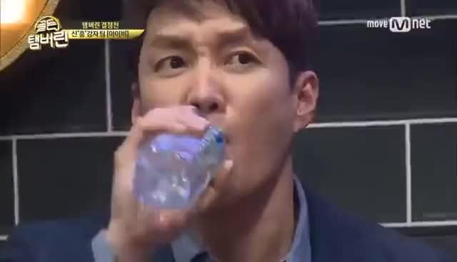 Watch and share Golden Tambourine 섹시디바 아이비ver 의자춤 탄생! ′미쳤어′ 170216 EP.10 GIFs on Gfycat