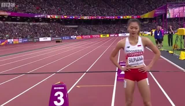 Watch Ulfa Silpiana (Indonesia) 200m, World Champs 2017 GIF by @kesakko on Gfycat. Discover more 200m, indonesia, sprinter, ulfa silpiana GIFs on Gfycat