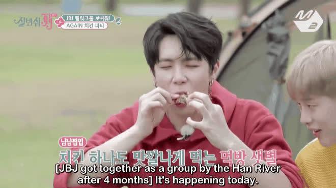 Gà rán  món ăn quốc dân đánh bay hình tượng của các show truyền hình Hàn Quốc