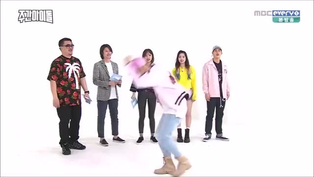 Watch and share Jackson Wang GIFs by yoossi on Gfycat