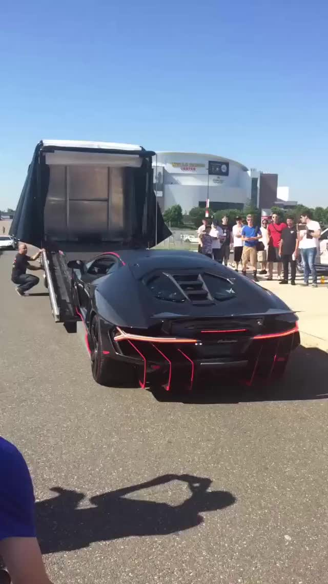 Watch and share Centenario Delivery GIFs on Gfycat
