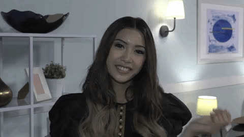 Á hậu Thúy Vân gây ấn tượng khi làm stylist trong show riêng dành cho những thảm họa thời trang