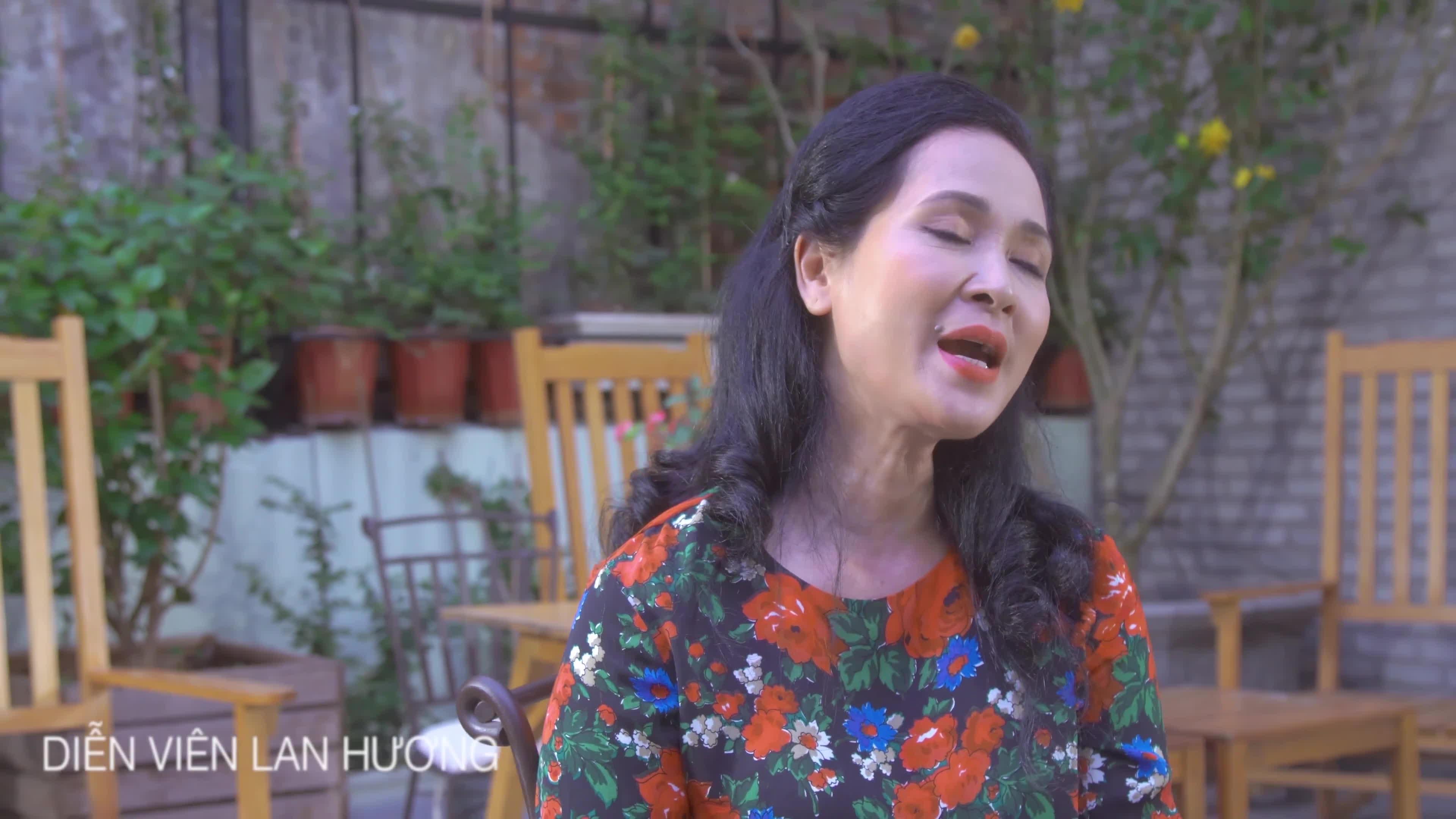 Mẹ chồng Lan Hương, Mỹ Linh gửi thông điệp yêu thương nhân Ngày của mẹ