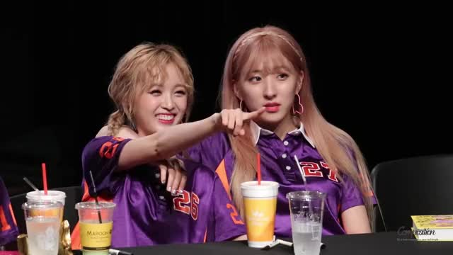 Watch and share Cosmic Girls GIFs and Wjsn GIFs by t*om 🌹 on Gfycat