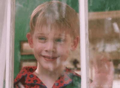 Kevin McCallister, Macaulay Culkin, christmas, happy holidays, hello, hi, home alone, merry christmas, petty, snow, wave, Kevin Waving - Home Alone GIFs
