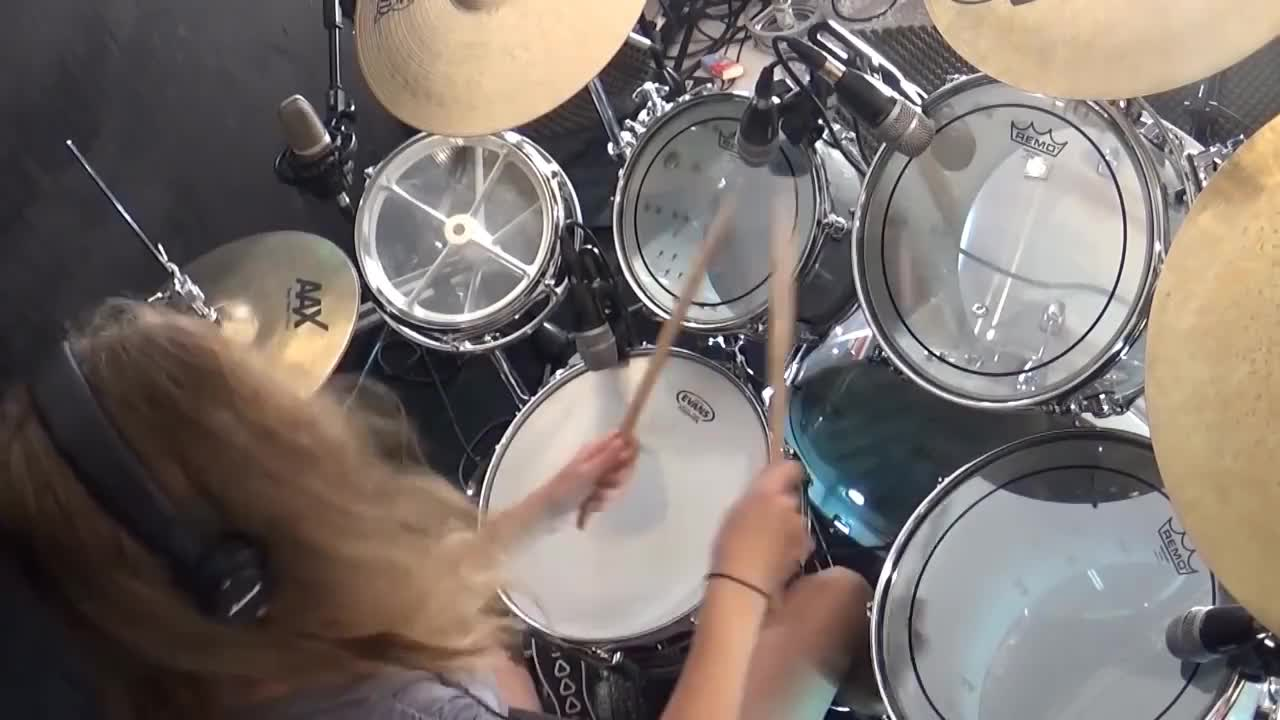 Sina, drums, ingbeautiful, toes, Sina drums GIFs
