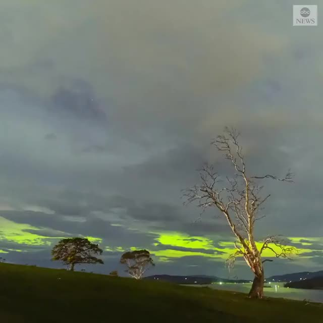 Watch and share Southern Lights GIFs by sirtsix on Gfycat