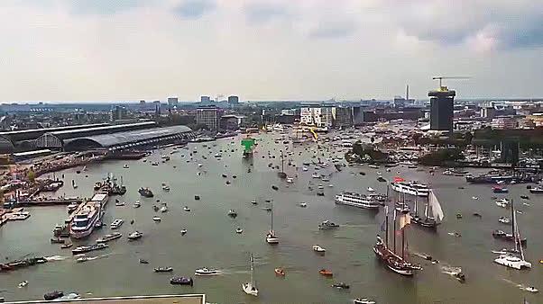 Yannireddit, Timelapse: Port of Amsterdam GIFs