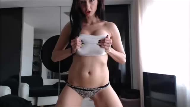camModel Dances in Tube Top1