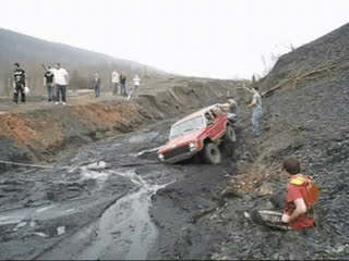 How many rednecks does it take to pull a Jeep from a creek bed? (xpost /r/idiotsincars) • r/gifs GIFs