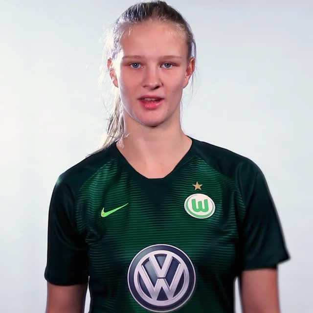 Watch and share 02 FlagCHINA GIFs by VfL Wolfsburg on Gfycat